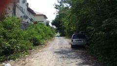 small private road to the beach