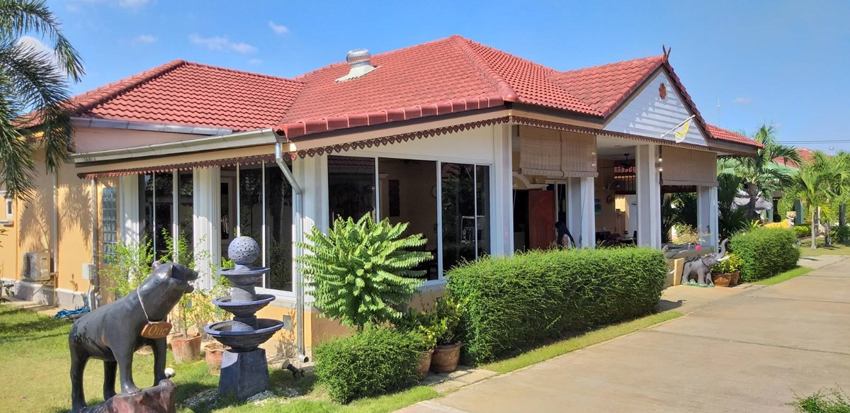 800Sqm House in Huay Yai Village - House - Huay Yai -