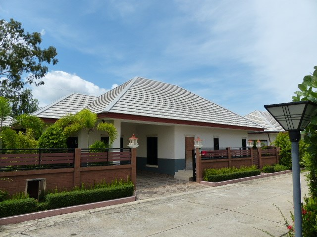 New Villa in Baan Dusit Resort - House - Ban Amphur -