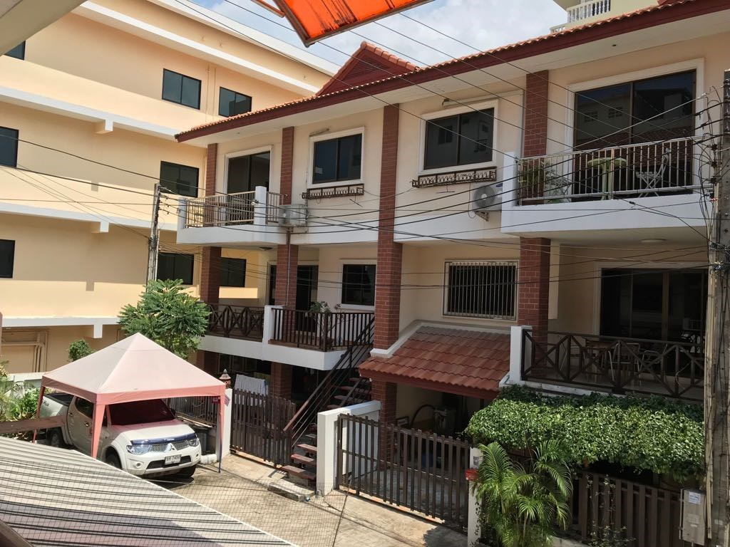 Corner Townhouse Pattaya City South - House - Pattaya South -