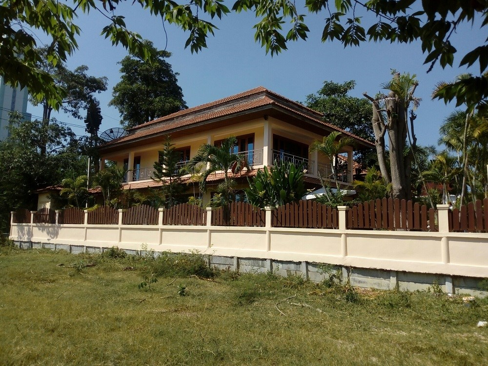 Big Villa in Jomtien, 500 m from Jomtien Beach Road - House - Jomtien -