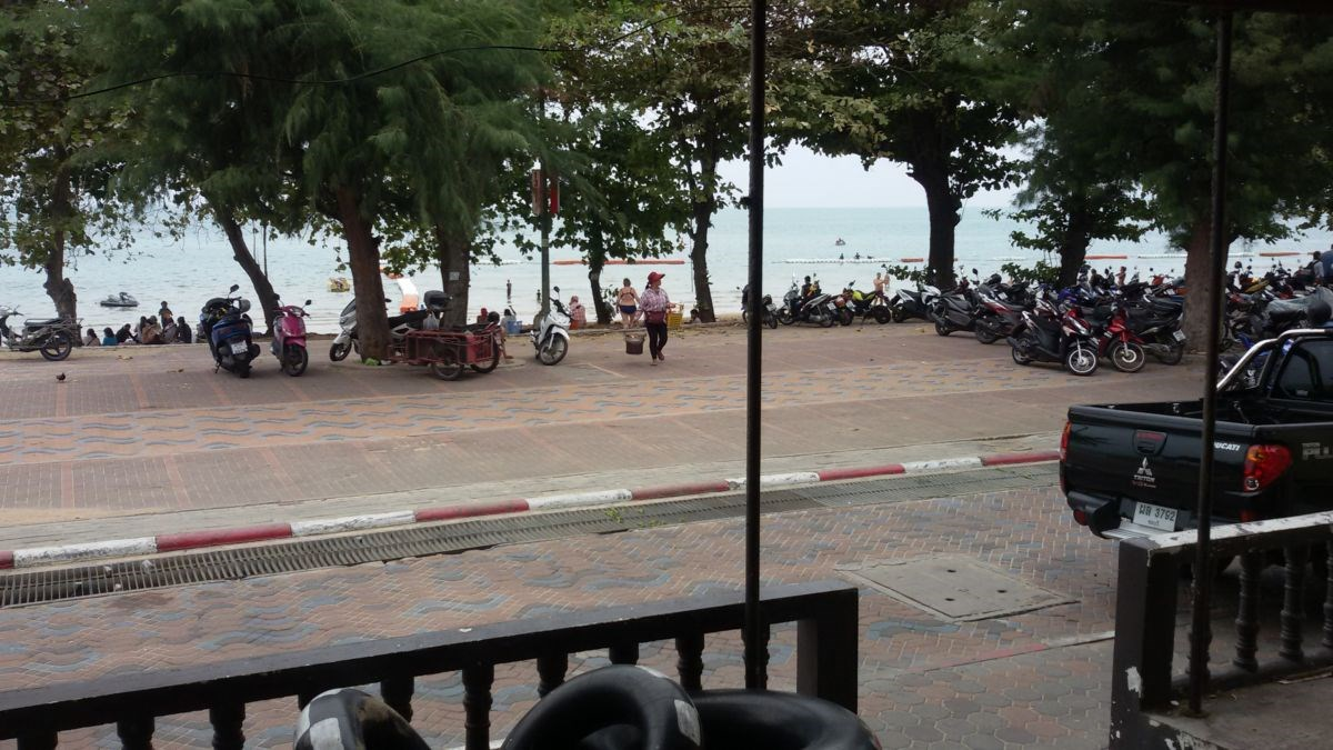 Commercial shophouse (2 units) in best beach location of Jomtien promenade - Commercial - Dongtan Beach -