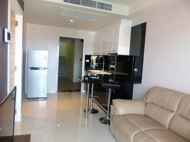 New Apartment in Pratamnak, Pattaya - Condominium - Pratumnak -