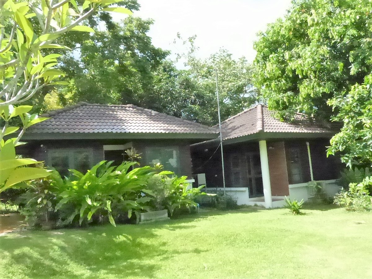 Chalet on Golf Course - House - Khao Mai Kaeo -