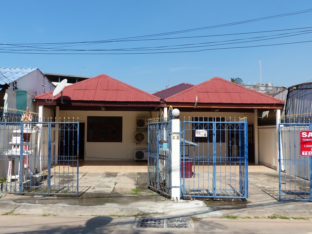 Double Shophouse close Thepprasit Road - Commercial - Thepprasit -